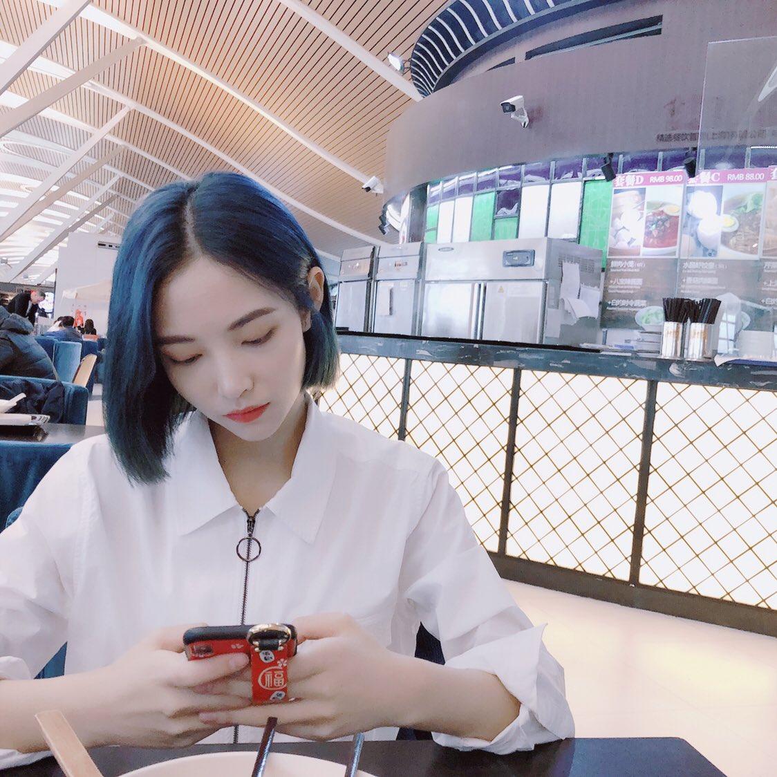 최근 머리 염색해서 예쁘다는 반응 얻고 있는 중국 여자아이돌 | 인스티즈