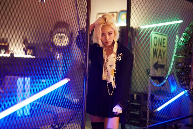 17일(화), 마마무 휘인 솔로앨범 'EASY' 발매   인스티즈