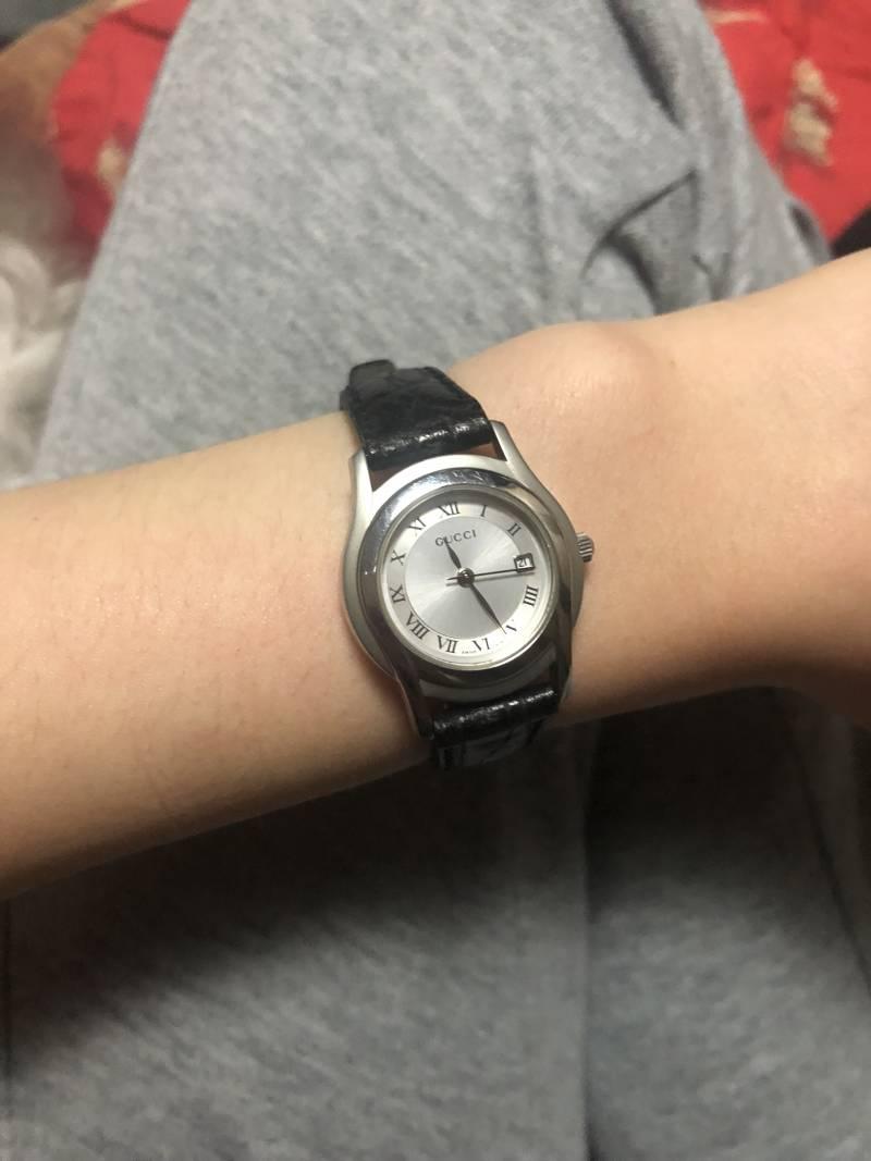 이 구찌시계 엄마가 주셨는데 이상하즤? | 인스티즈