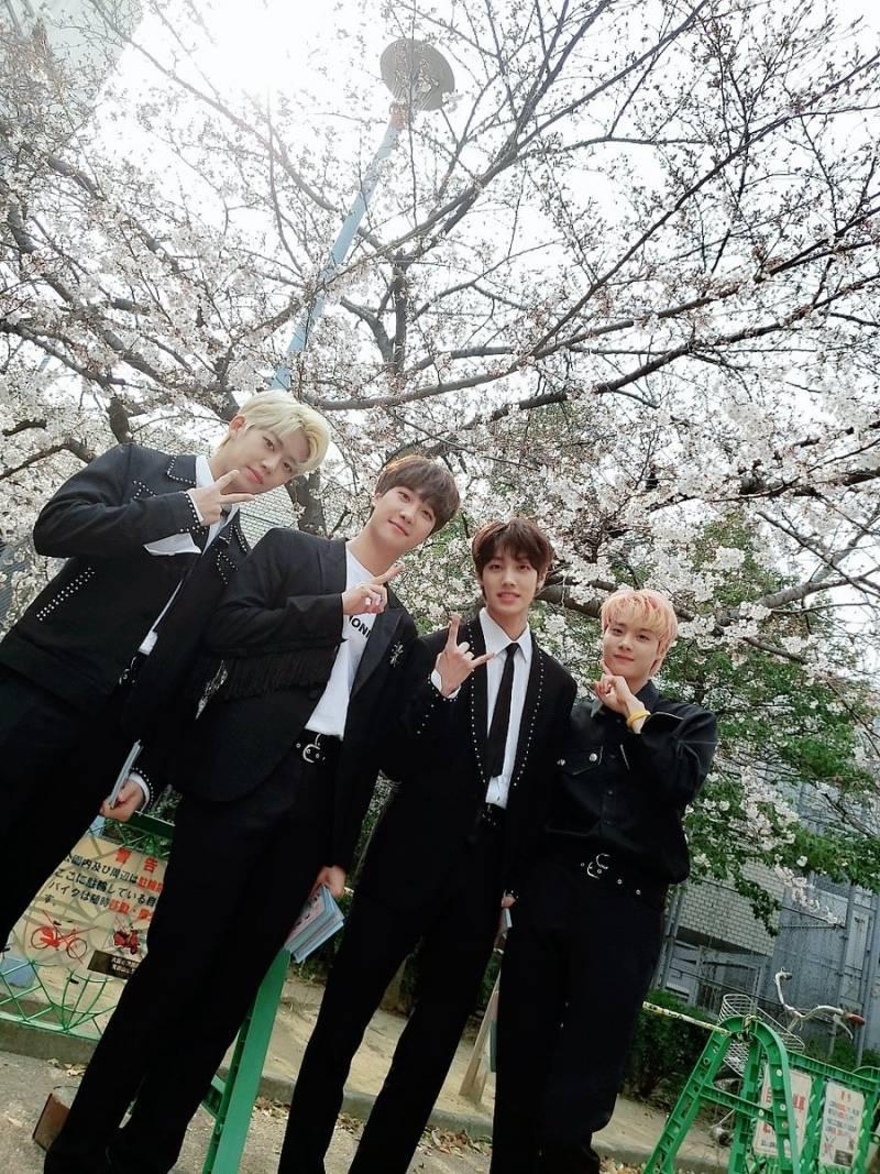 1일(수), 밴드 아이즈(IZ) ♥IZ SEASON2 LIVE in JAPAN♥ OSAKA 1일   인스티즈
