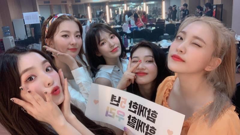 1일(목), 🎉레드벨벳 데뷔 5주년 ❤️💛💙💚💜 | 인스티즈