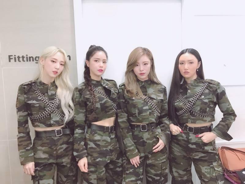 최근 아이돌 사이에서 유행중인것 같은 의상.jpg | 인스티즈