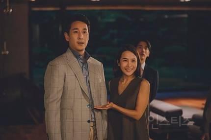 '이선균 가족=일본ㆍ송강호 가족=한국?' 日평론가 영화 '기생충' 해석 논란   인스티즈