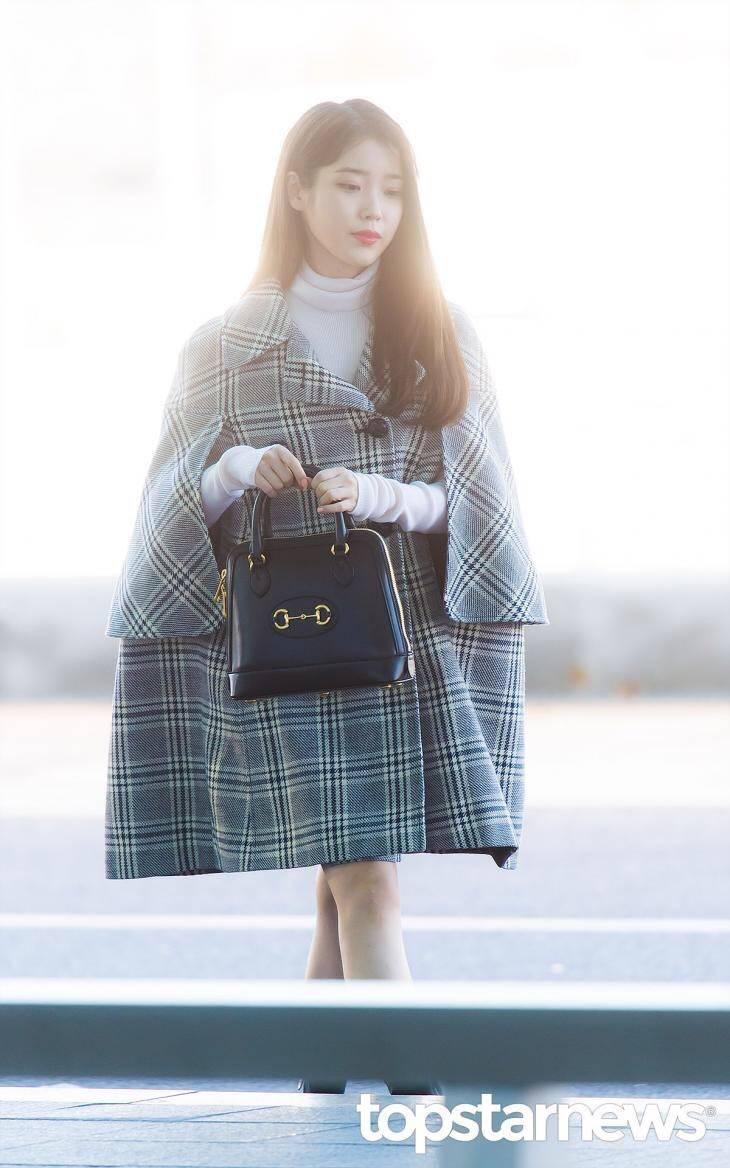 오늘자 구찌 패션쇼 참석을 위해 출국하는 아이유.jpg | 인스티즈