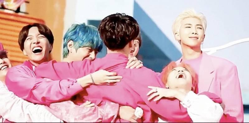 방탄소년단의 하나 남은 이성이라 불리는 RM | 인스티즈
