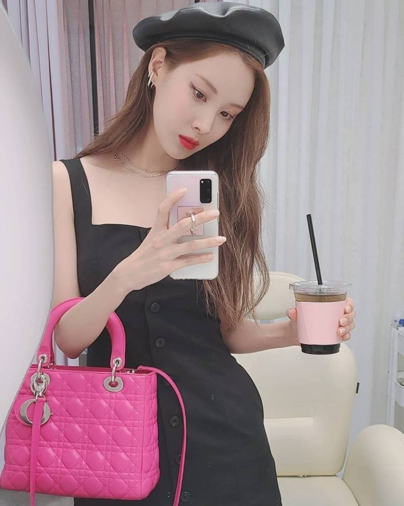 5일(금), 소녀시대 서현 '제56회 백상예술대상' 시상💖   인스티즈