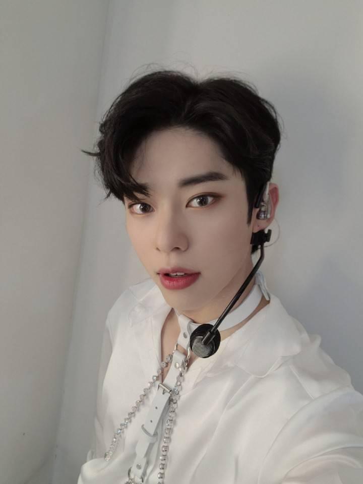 17일(목), ❤🆎️AB6IX 김동현 생일🆎️❤   인스티즈