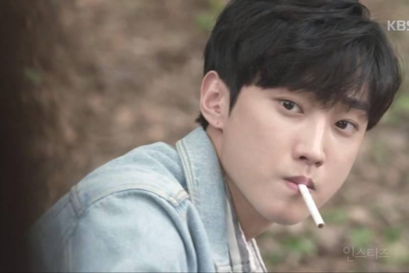 담배펴본 적 없는 거 티내는 아이돌 | 인스티즈