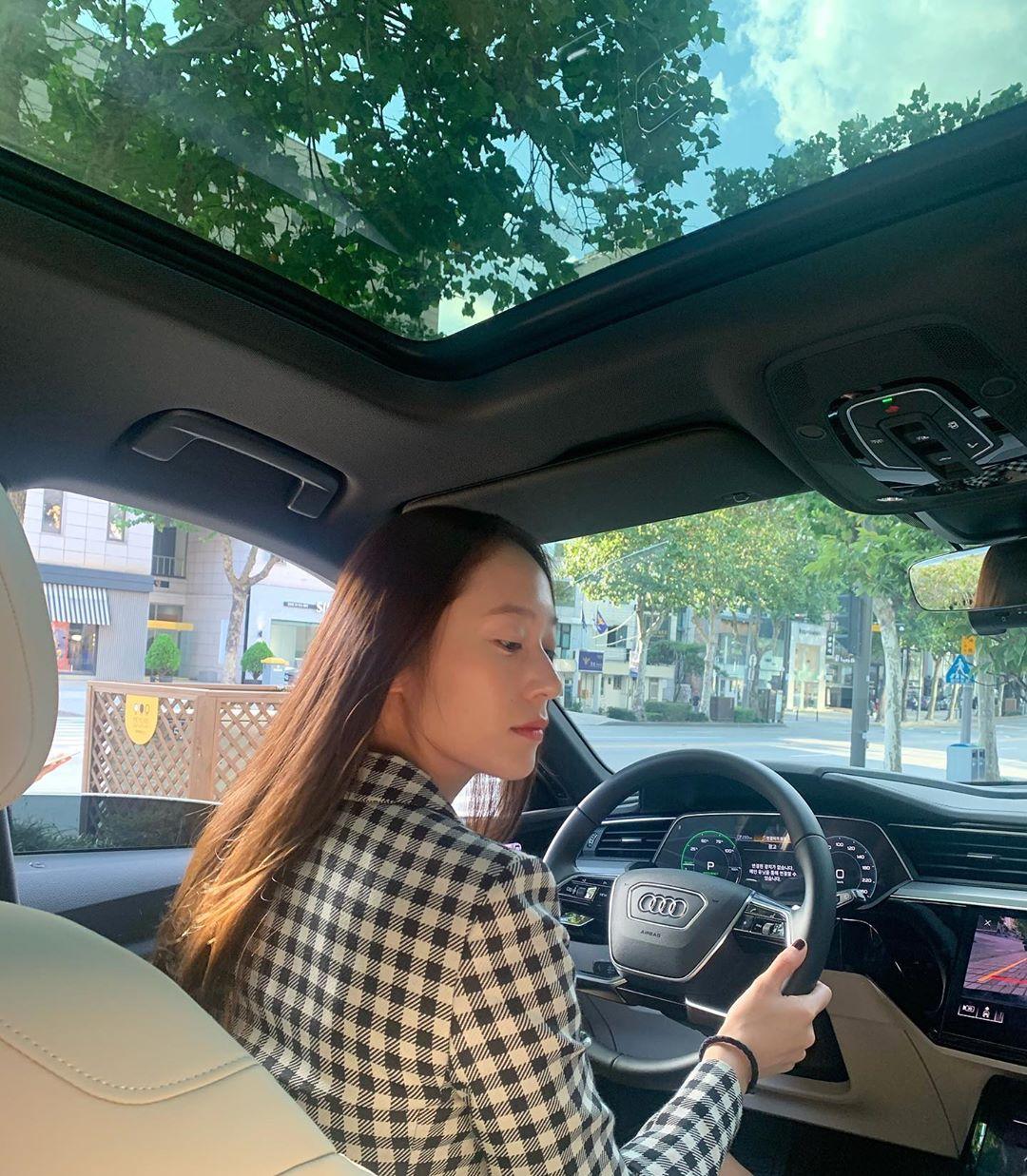 아우디 엠버서더 크리스탈 개간지 | 인스티즈