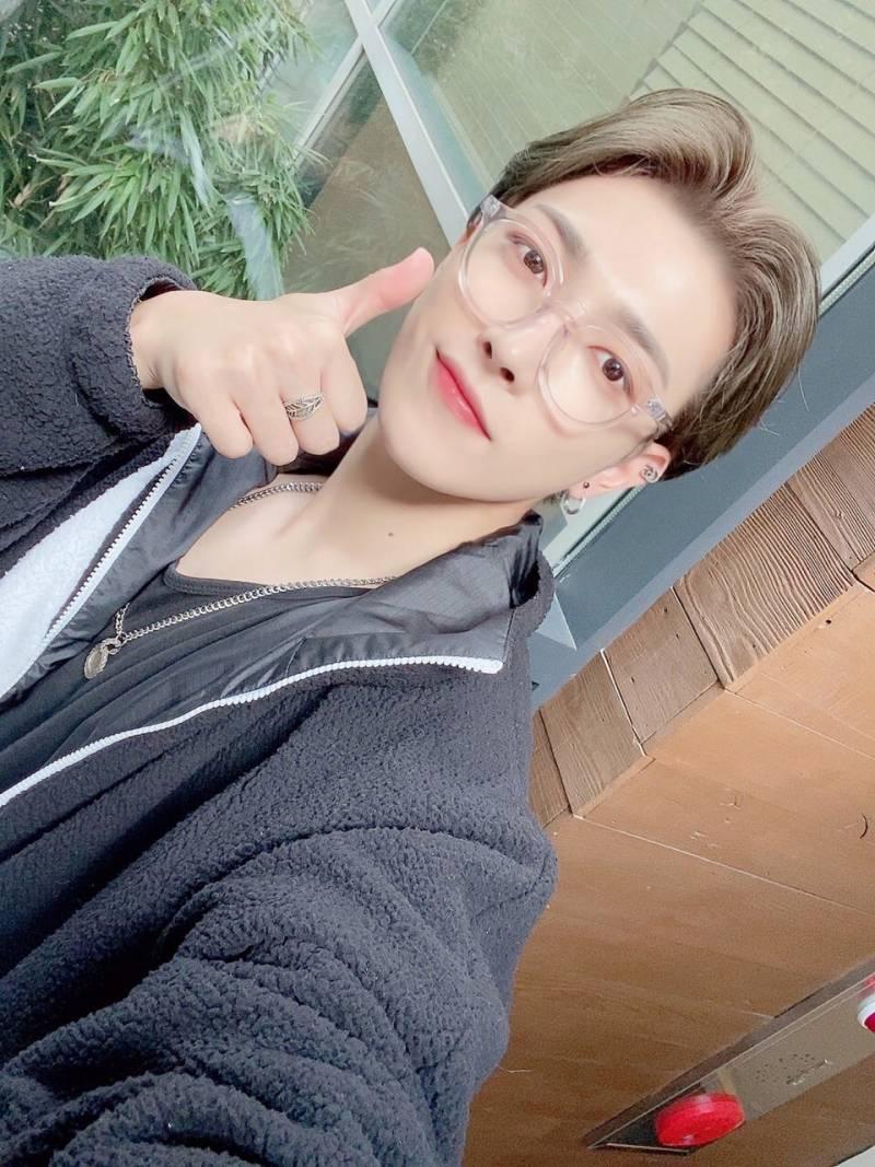 7일(토), 🧡에이티즈(ATEEZ) 리더 김홍중 생일🖤 | 인스티즈