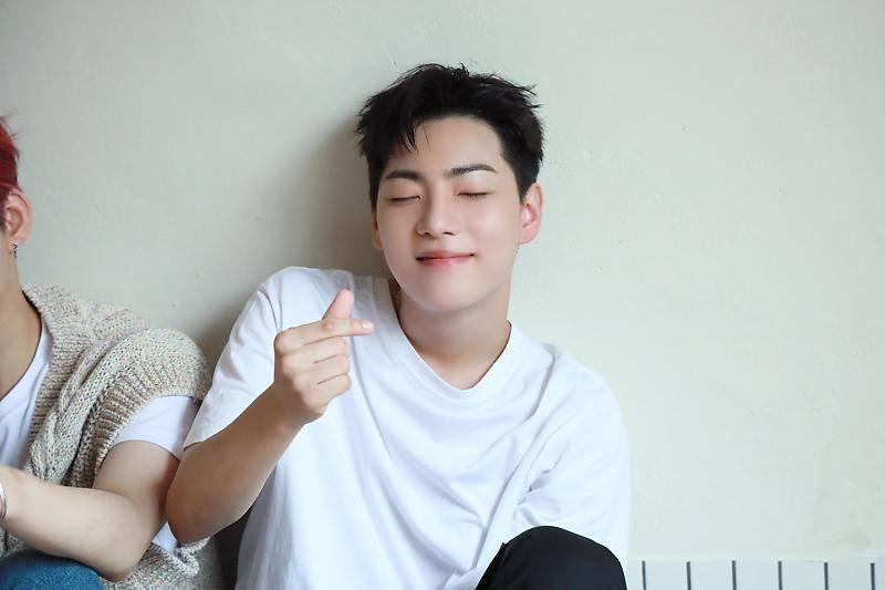 24일(목), 온앤오프 🎄💡🐹햄찌이자 🦈상어인 센세이션 요정💡🎄 이션 생일 | 인스티즈