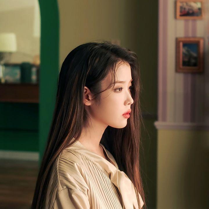 27일(수), 아이유👑 선공개 곡 ℂ𝕖𝕝𝕖𝕓𝕣𝕚𝕥𝕪 발매💚 | 인스티즈