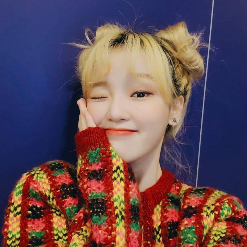25일(월), 오마이걸 다람쥐대장 현승희 생일 💖💙💛 | 인스티즈