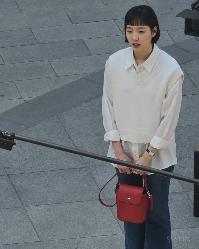 김고은 '유미의 세포들' 촬영 근접짤   인스티즈