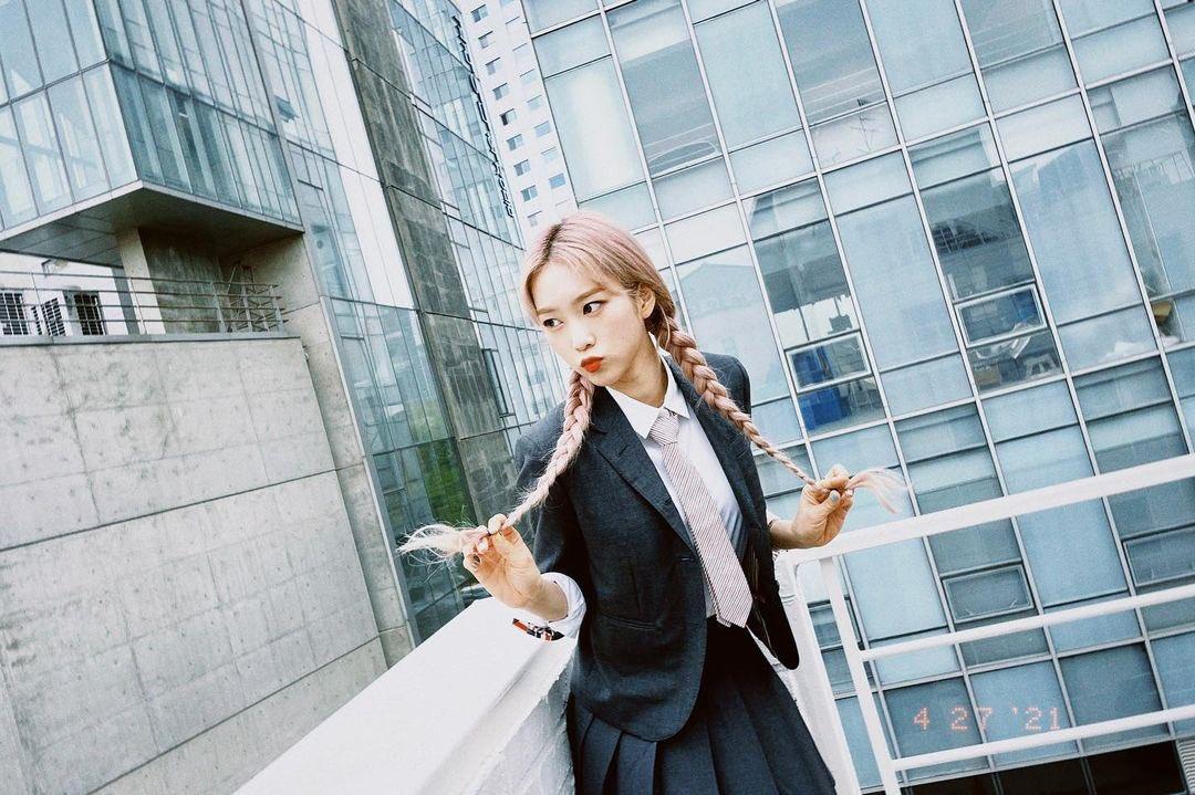 [잡담] 오마이걸 지호 인스타그램 업댓했는데 개이쁨... | 인스티즈