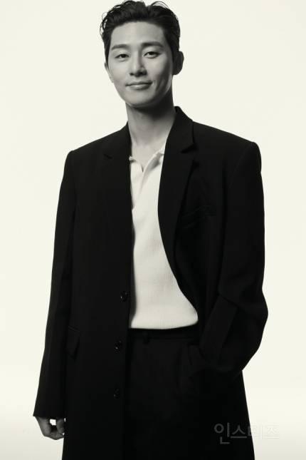 박서준, 흑백에 담긴 깊이감 | 인스티즈
