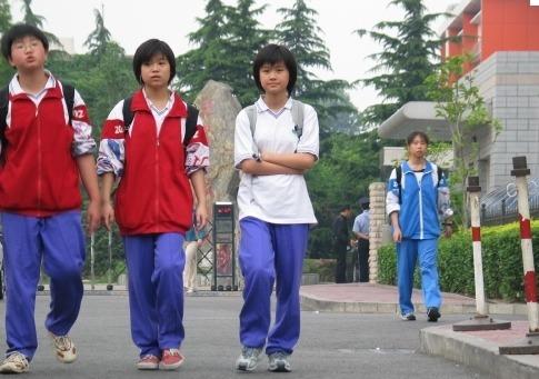 놀랐던 중국 교복.jpg   인스티즈