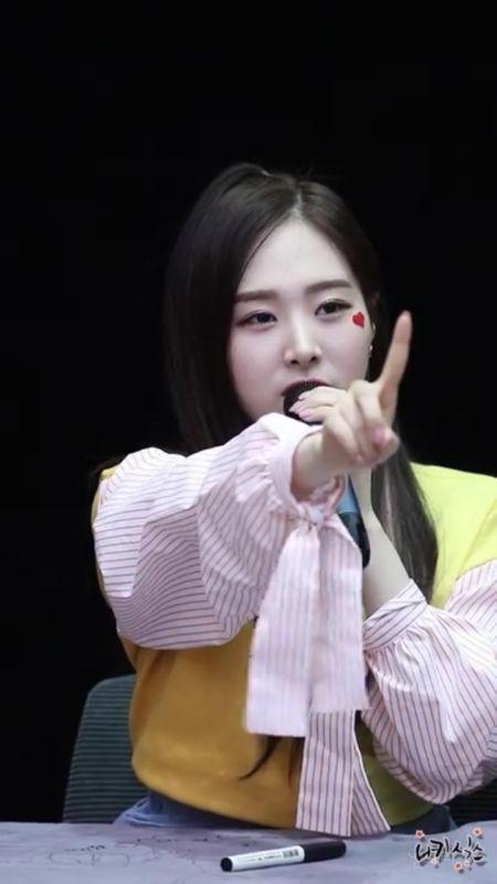 팬싸에서 남덕들한테 사이다 들이붓는 걸그룹 멤버들 | 인스티즈