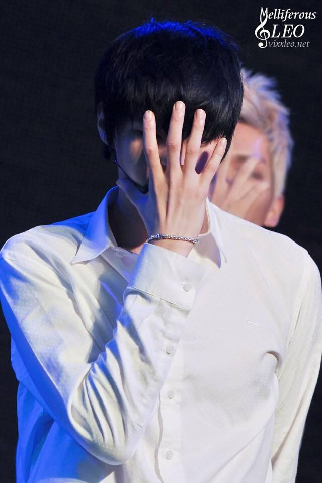 예쁘다고 유명한 남자아이돌의 손 +추가 | 인스티즈