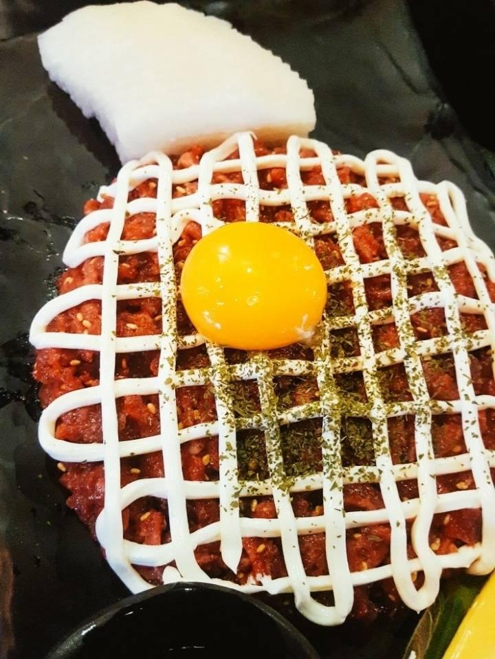 요즘 인기폭발이라는 치즈 크림 육회...jpg | 인스티즈