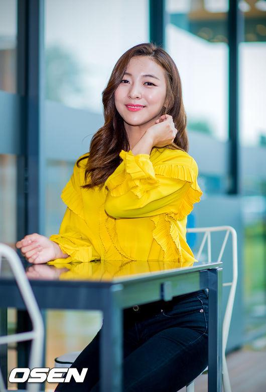 [단독] 에프엑스 루나, 2년만 솔로곡 발표..4월 출격확정 | 인스티즈