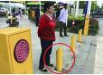 [세상에중국] 무단횡단 시민에 '물' 뿌리는 기둥센서 등장 | 인스티즈