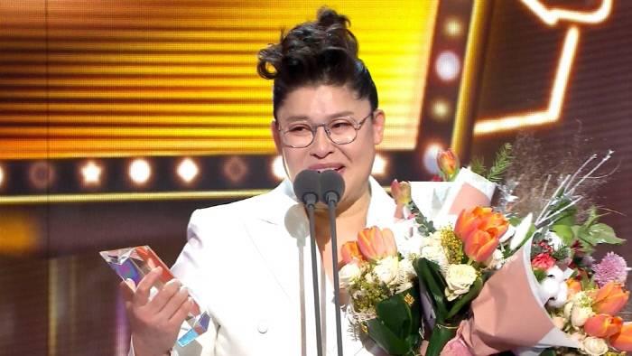 [채널예약] '전참시' 이영자 대상 수상 영광의 순간 비하인드 공개! | 인스티즈