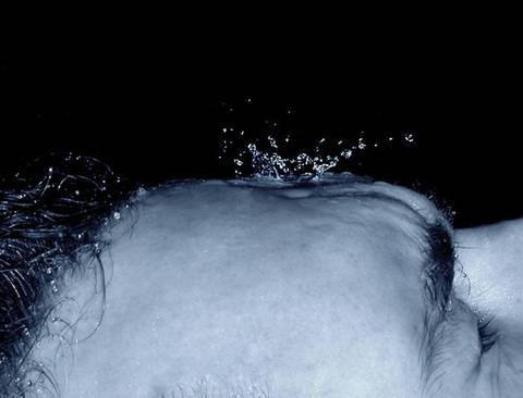 역사상 가장 끔찍한 고문 중 하나라는 중국식 물 고문 (무서운 사진 없음) | 인스티즈