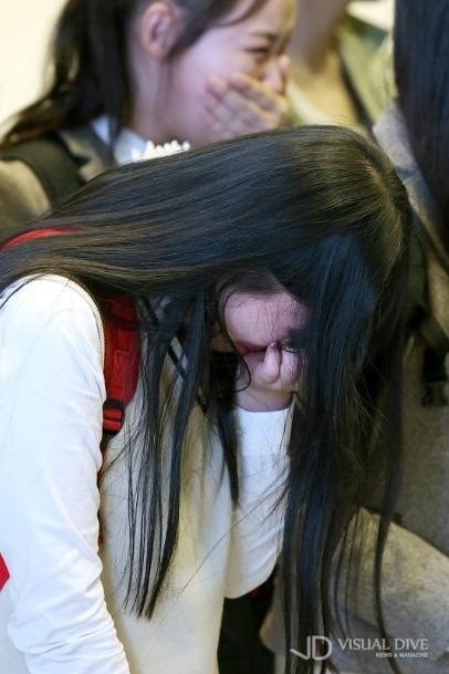 나의 사진 앞에 서 있는 그대, 제발 눈물을 멈춰요.jpg | 인스티즈