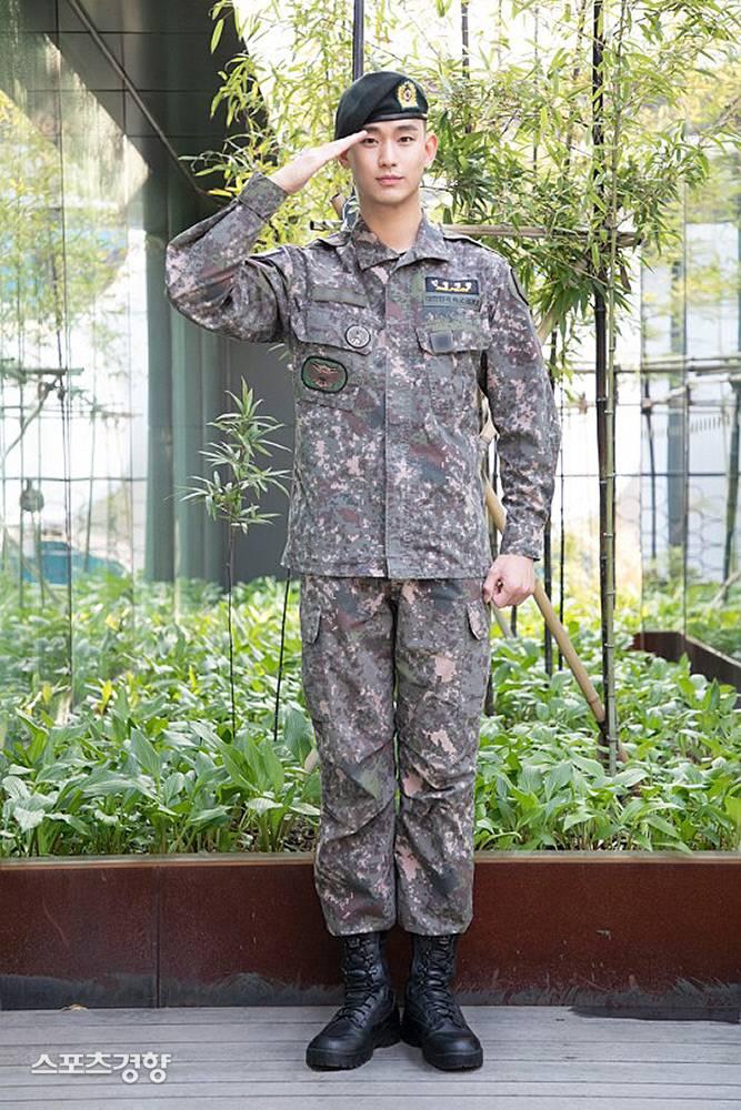 '최전방의 사나이' 김수현, 전역 2개월 앞당겼다 | 인스티즈