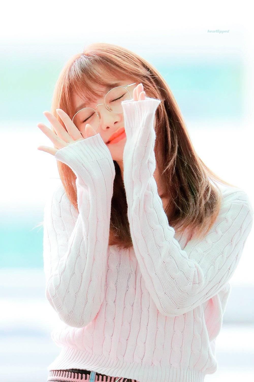 귀여운 동그리 안경을 쓴 트와이스 나연.jpgif | 인스티즈