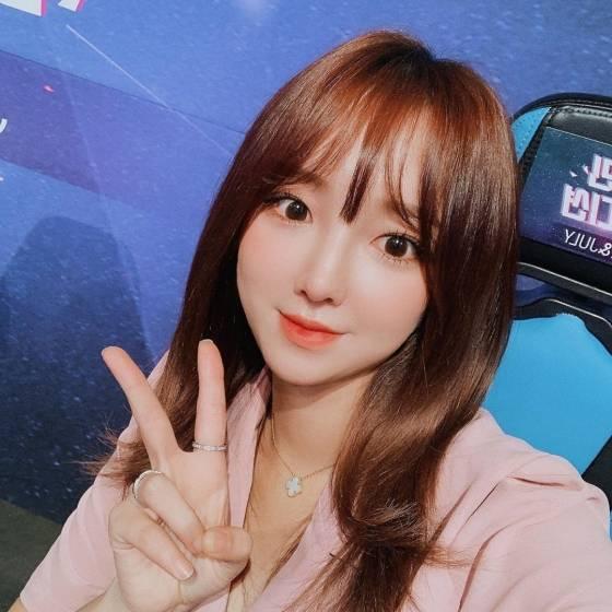 BJ외질혜, 남편 철구 '해외 원정 도박' 심경 고백→'성희롱 논란' 사과 | 인스티즈