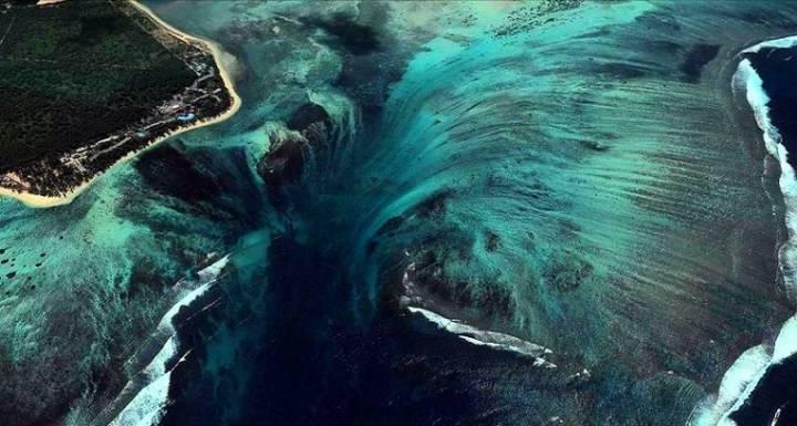 바다 속 폭포, 모리셔스 수중폭포ㄷㄷ.gif   인스티즈