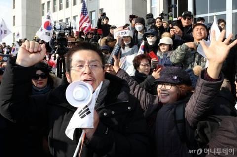 프로 시위꾼이 된 황교안.jpg | 인스티즈