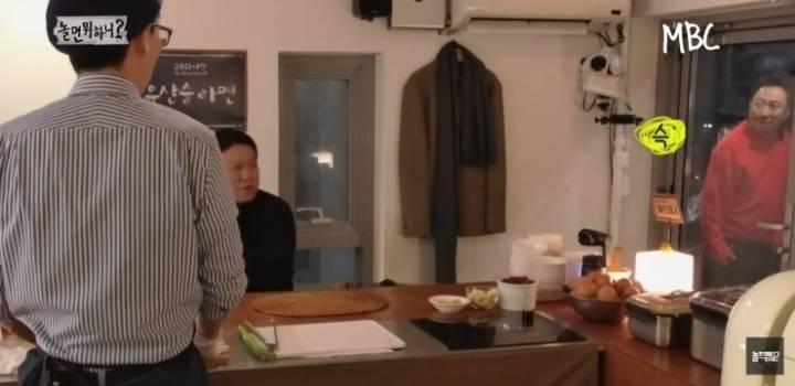 라면을 안 먹는 연예대상의 남자.jpg   인스티즈