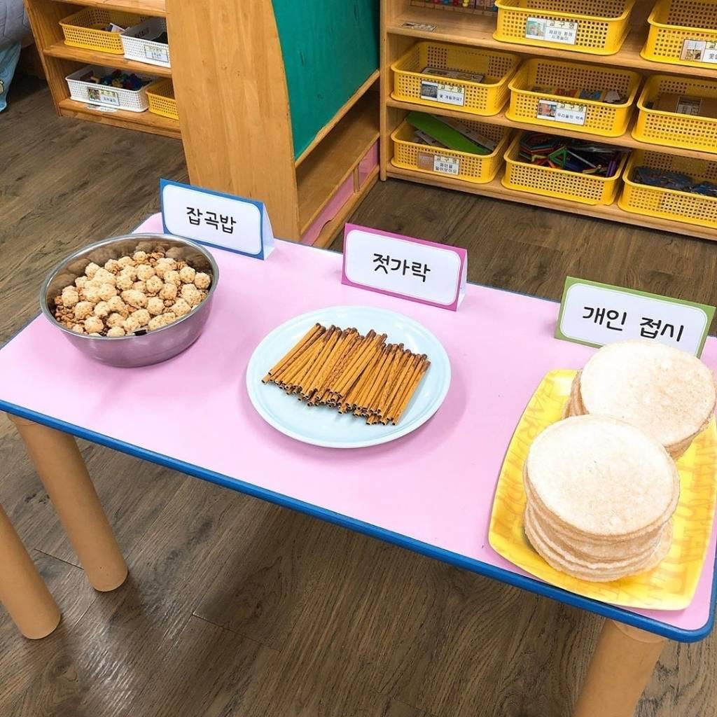 요즘 유치원에서 핫하다는 과자뷔페.......jpg   인스티즈