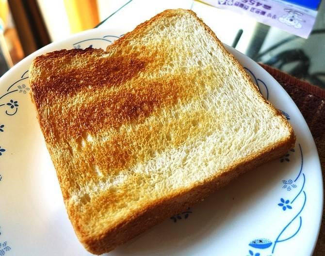 여기 노릇노릇 잘 구운 식빵이 있습니다.jpg | 인스티즈