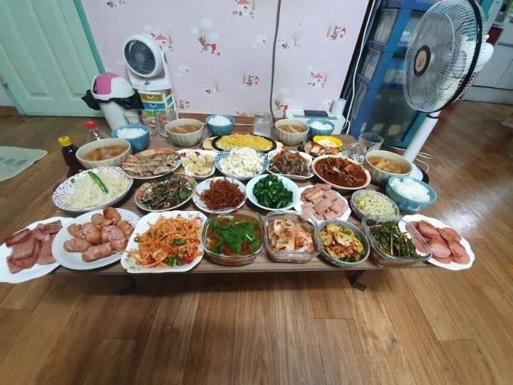 엠팍에 올라온 손이 크시다는 어머니의 저녁상...jpg | 인스티즈