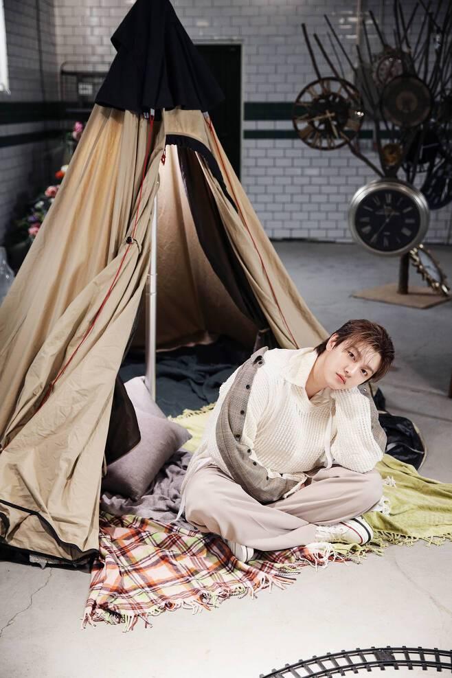 27일(수), 신원호 솔로 앨범 1집 'Trust Me' 발매 | 인스티즈