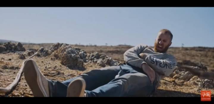 사막에 조난당한 상황에서 남친이 여친 살린 방법.jpg | 인스티즈