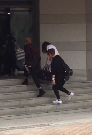 계단 두 칸씩 오르는 사람 특징 | 인스티즈