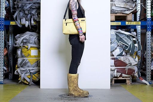 요즘 20대들 사이에서 자주보이는 가방.jpg | 인스티즈