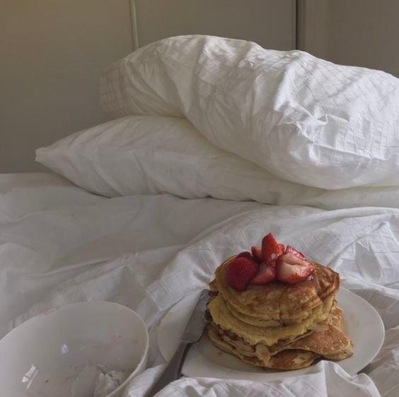 인스타용 침대 위 음식......jpg | 인스티즈