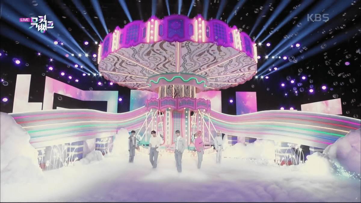 아이돌 팬들 사이에서 예쁘다고 난리난 뮤직뱅크 세트들.jpg | 인스티즈
