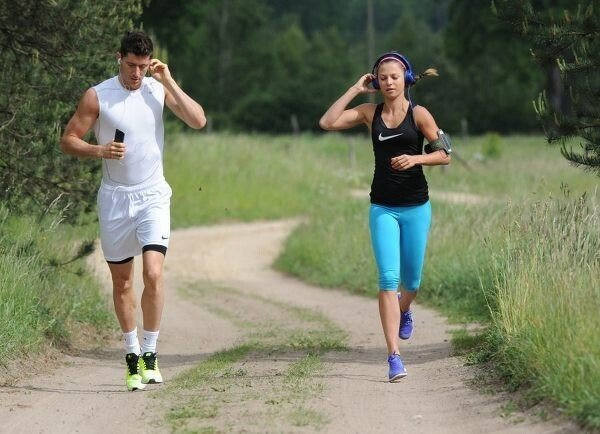 와이프랑 행복하게 같이 운동하는 남편.JPG | 인스티즈