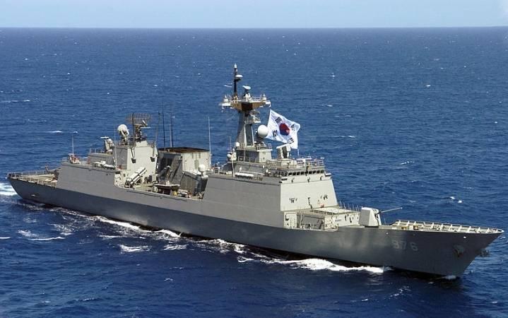 해군출신들이 꼭 말하는 악명높은 훈련소 교관들.jpg | 인스티즈