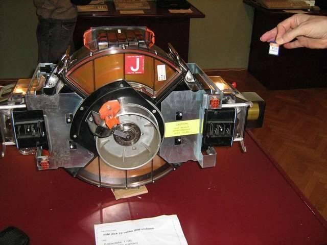 1980년의 1GB 하드디스크 | 인스티즈