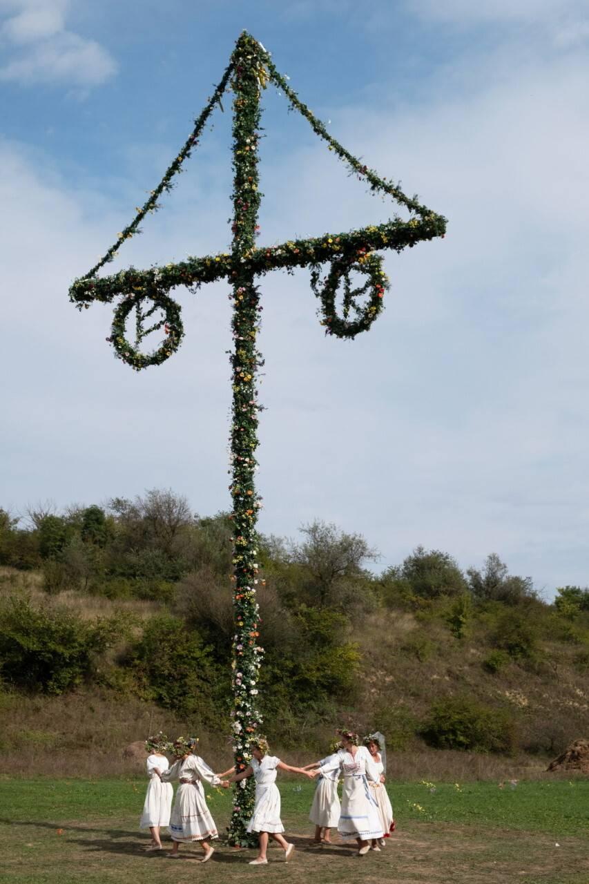 지쳤을때 힐링으로 좋은 북유럽가서 축제 즐기는 영화   인스티즈