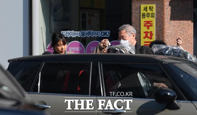 벌써 7년 가까이 열애 중인, 홍상수&김민희 | 인스티즈