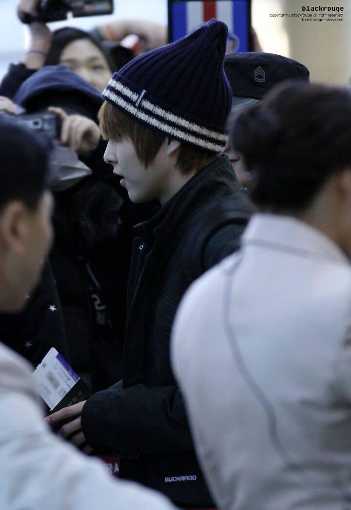 엑소 시우민 데뷔초에 27일만에 나타나서 팬들 뒤집어졌던 날 | 인스티즈